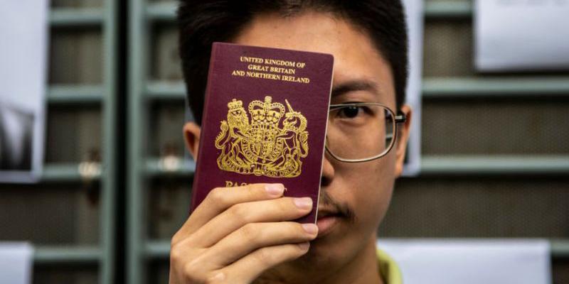 Великобритания откроет «путь к гражданству» для некоторых гонконгцев, если Китай введет новый закон о безопасности
