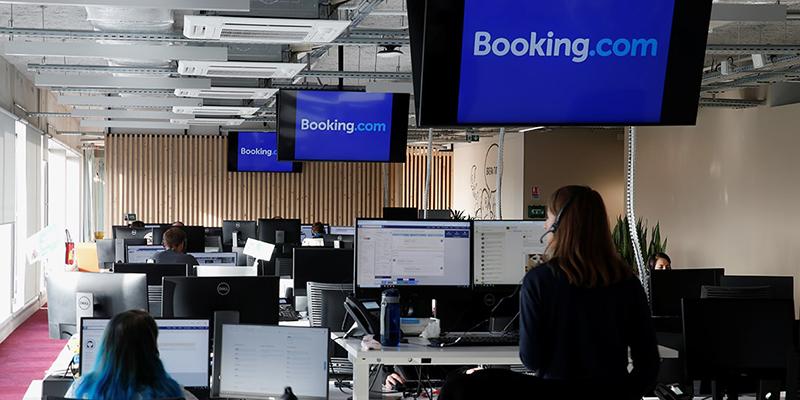 Компания Booking увольняет до 25% своей рабочей силы из-за спада от коронавируса