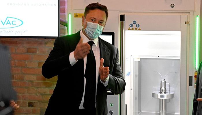 Илон Маск объявил о разработке автомобиля Tesla стоимостью в 25 000 долларов и описал все новые аккумуляторные технологии, которые разрабатывает компания