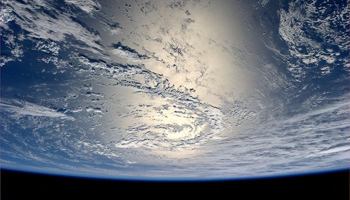 Косметическая компания Estee Lauder заплатила NASA 128 000 долларов за фотосессию их продукта в космосе