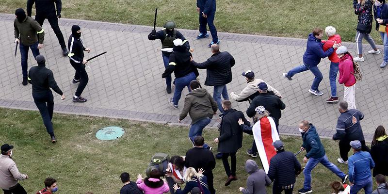 В ЕС согласились ввести санкции против самопровозглашенного президента Беларуси за происходящие в стране события