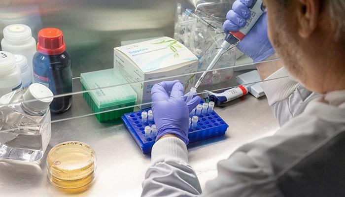 К середине следующего года на рынке будут доступны сразу 10 вакцин против COVID-19