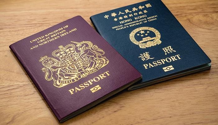 Среди жителей Гонконга идет гонка за британские паспорта
