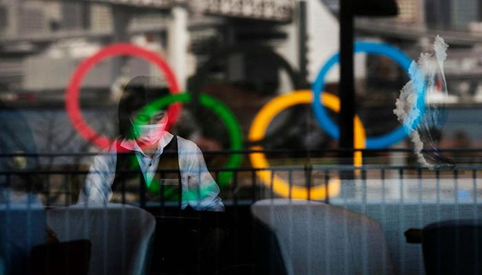 Официальные представители Олимпийских игр в Токио говорят, что летние игры все еще в их планах, несмотря на всплеск COVID-19 в Японии