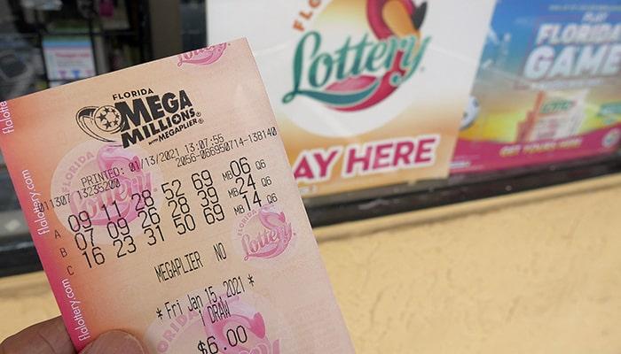 Американец выиграл джекпот в размере 1 млрд долларов, но придется заплатить колоссальные налоги