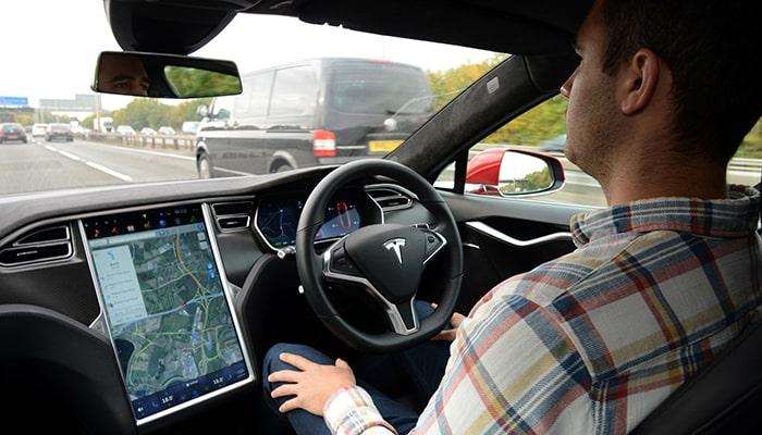 По словам генерального директора Waymo, автопилот Tesla не достигнет полной автономности