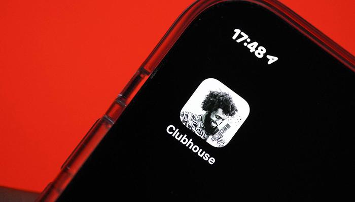 У пользователей Clubhouse появляются опасения по поводу безопасности, к тому же платформа пока не может бороться с дезинформацией