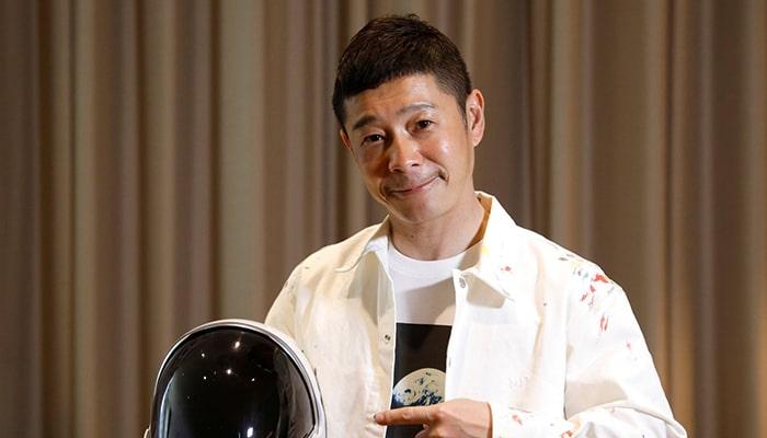 Японский миллиардер ищет восемь человек, которые присоединятся к нему в полете на Луну на ракете SpaceX