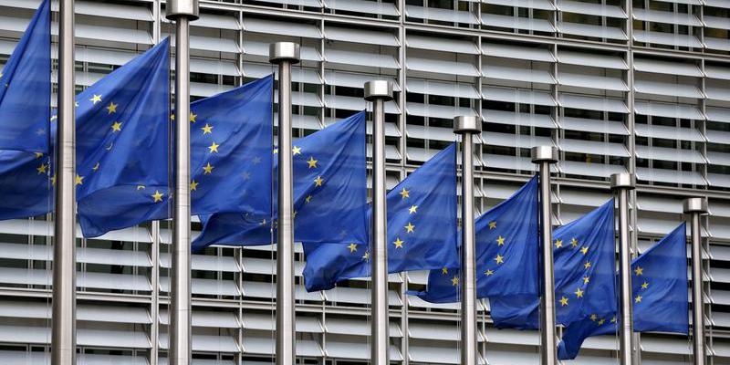 ЕС предлагает США заморозить обоюдные тарифы на шесть месяцев