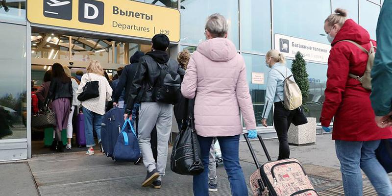 Власти России закрыли авиасообщение с Турцией до лета, у более полумиллиона россиян забронированы туры в эту страну на период закрытия