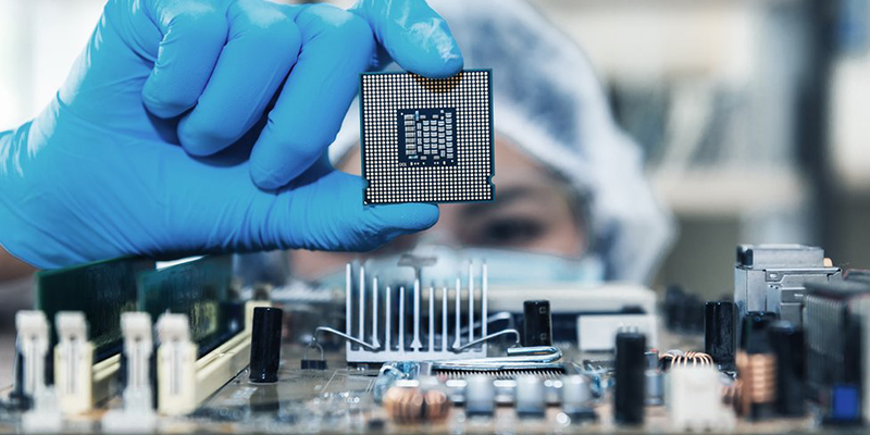 Компания Huawei винит американские санкции в глобальной нехватке микросхем
