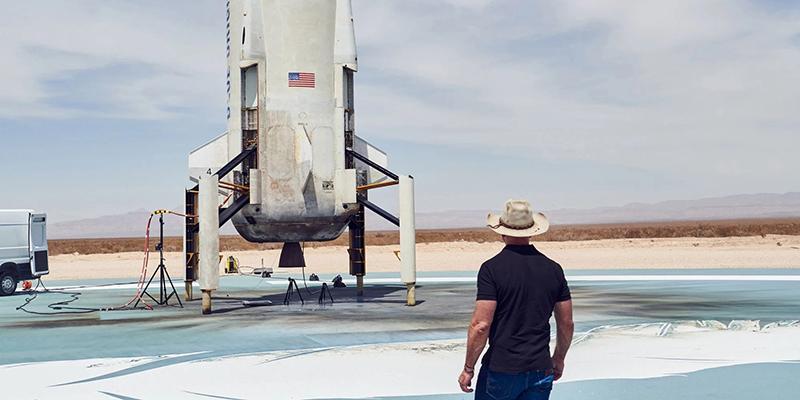 Более 41 000 человек подписали петицию за то, чтобы Джефф Безос не вернулся на Землю после своего полета в космос в следующем месяце