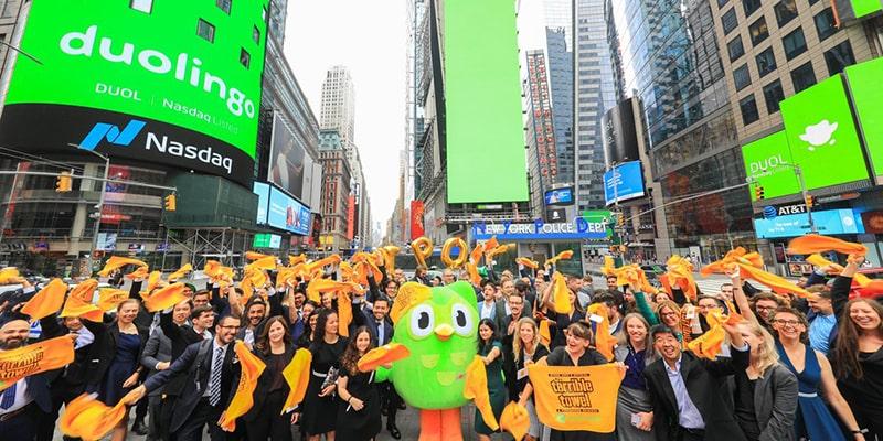 Акции приложения для изучения иностранных языков Duolingo взлетели на 35% в первый день торгов на бирже Nasdaq