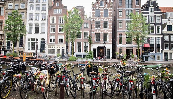 Амстердам вновь опередил Лондон в качестве ведущего торгового центра Европы
